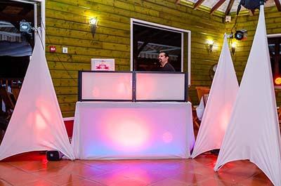 MON DJ ANTILLAIS AVEC LOGO FORMAT 3 4 (0)